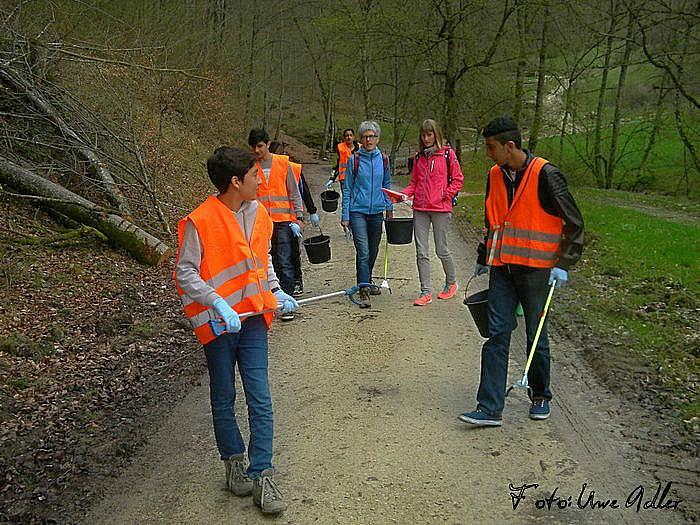 Gemeinsame Putzaktion in Lichtenstein